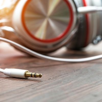 Clean Headphone Jack